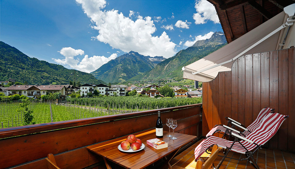 Haller holiday apartments – view of Merano's mountain world